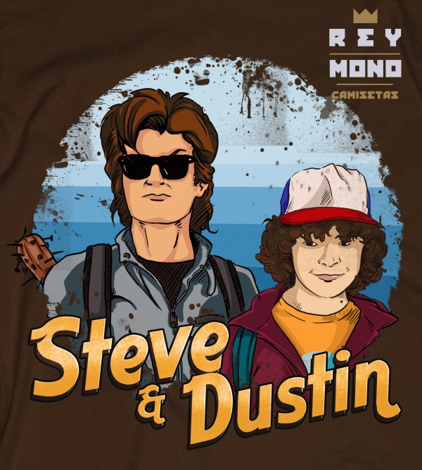 STEVE AND DUSTIN en camiseta detalle